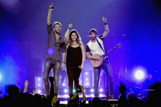 lady-antebellum-2015-wheels-up-nashville[1]